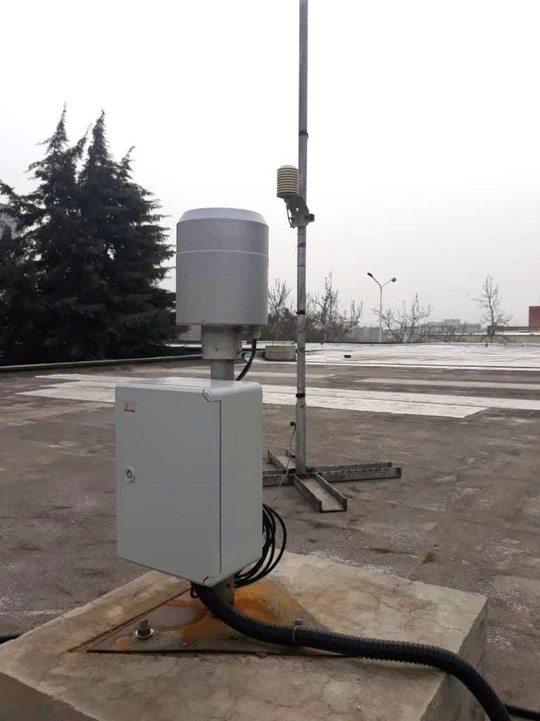 نصب ایستگاه بارانسنجی در موسسه تحقیقات آب